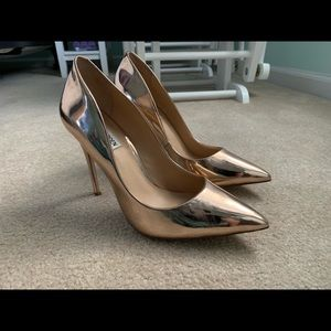 Steve Madden Rose Gold Daisie Pumps